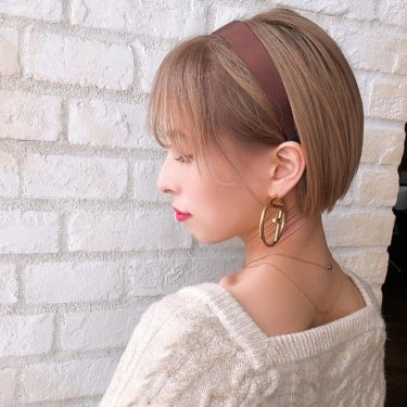 女性らしい色っぽショートヘア!秋冬のニットと相性が良い首元すっきりショート♡