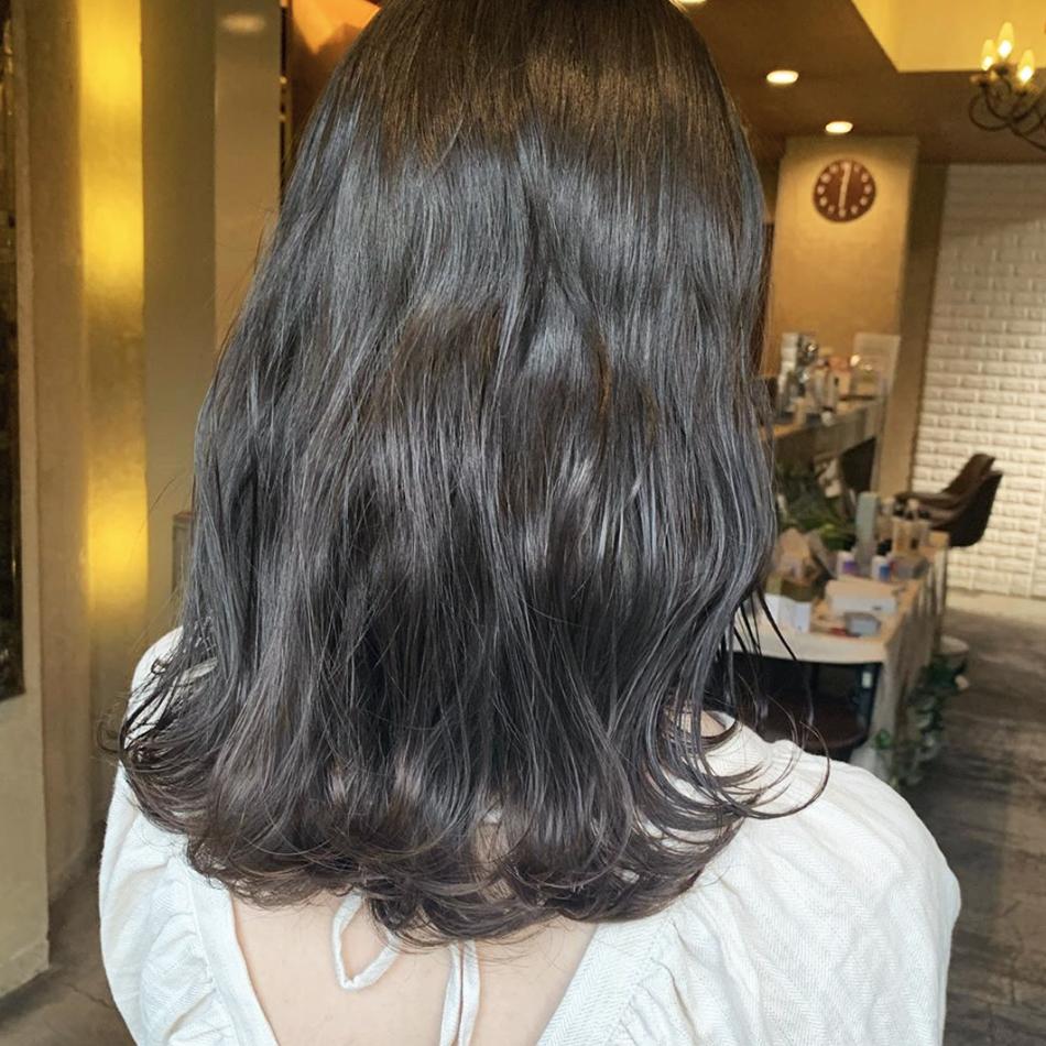 ミディアム 暗髪