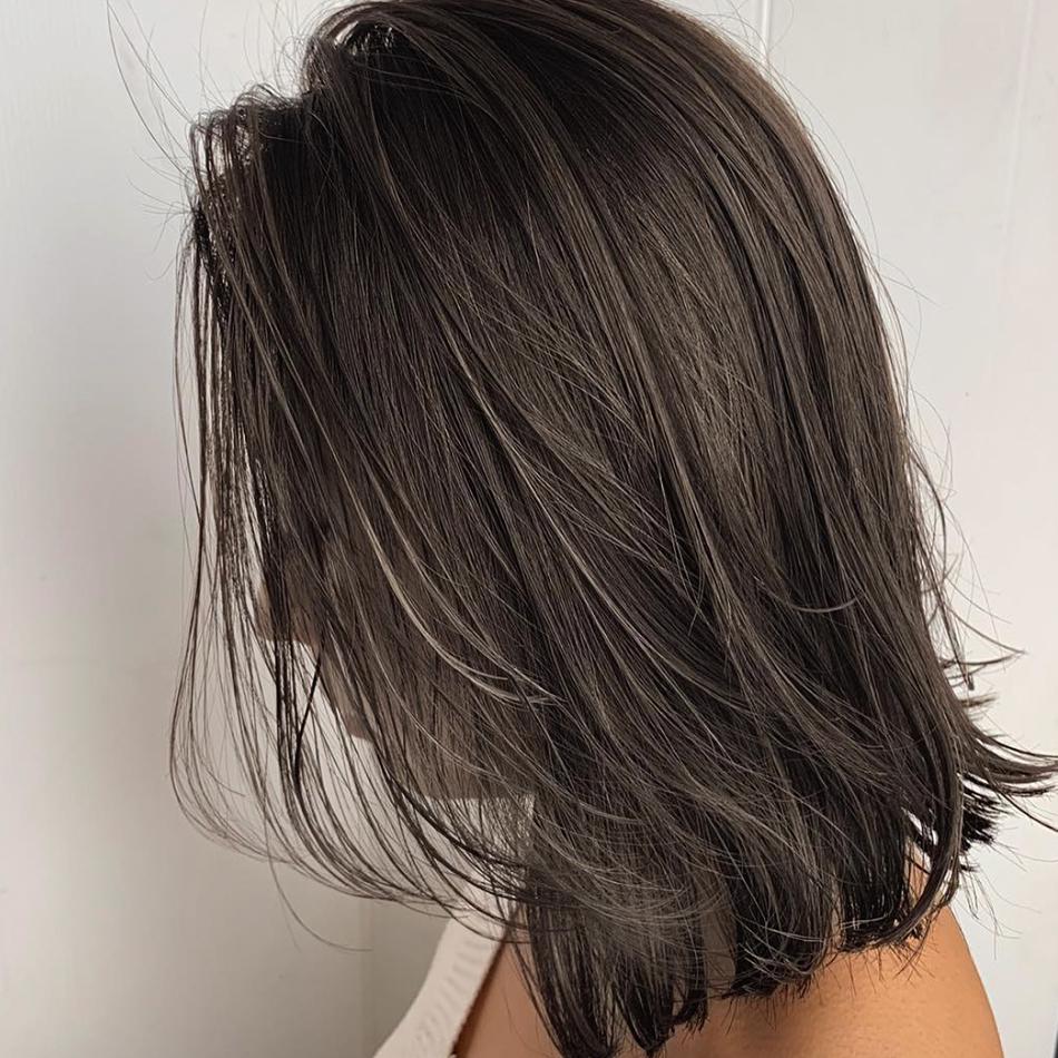 かきあげレイヤーミディアムヘア