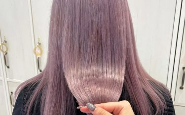 ペールトーンの淡い髪色がおしゃれ♡ふんわり柔らか質感のヘアカラー