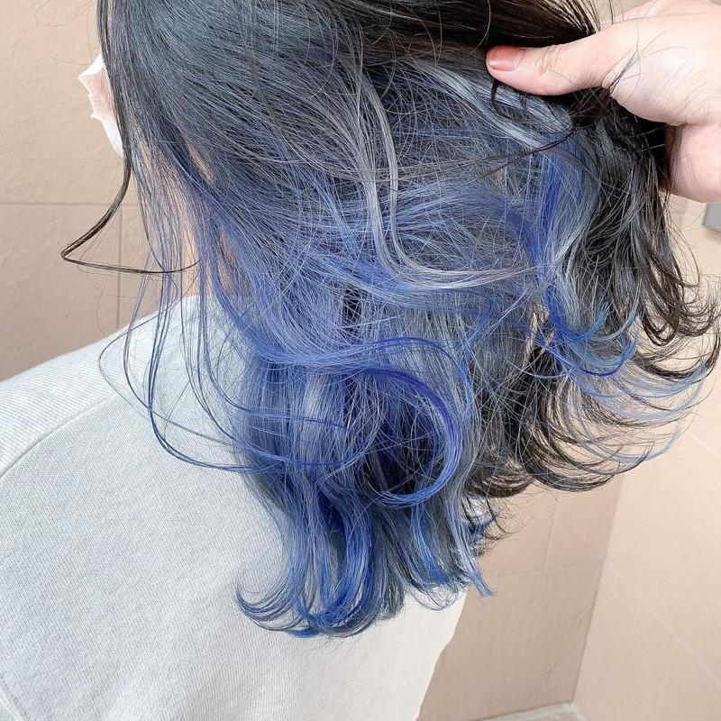 シルバー×ブルーのインナーカラー